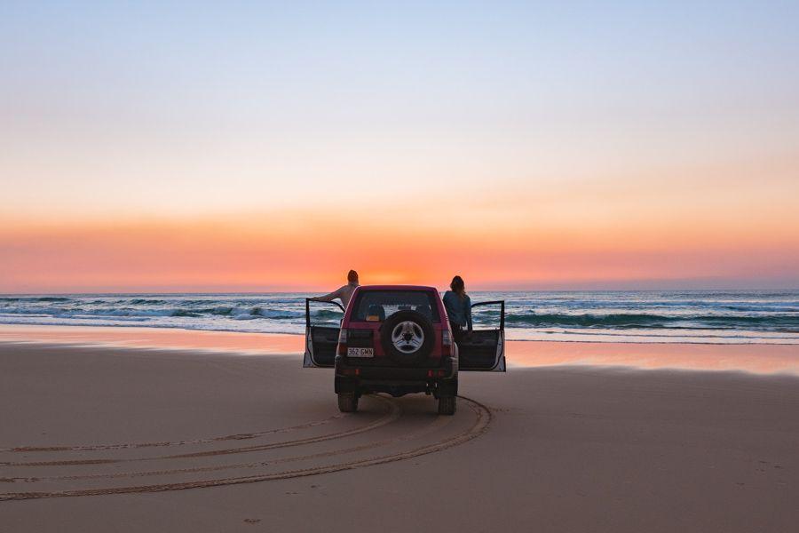 Fraser Island 4WD Fraser Dingo Tag Along Tour Australia