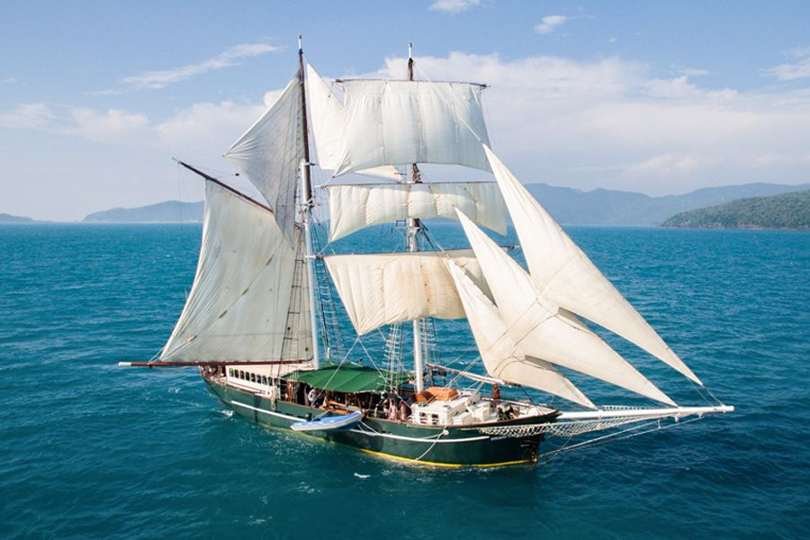 Solway Lass Whitsundays Sailing