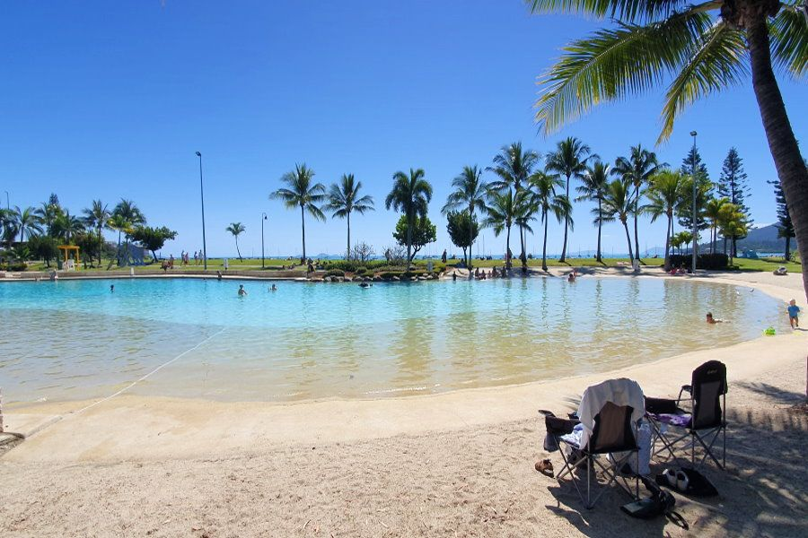 Airlie Beach avoid the crowds