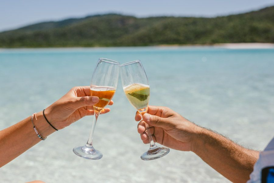 airlie beach champagne whitsundays wine and dine