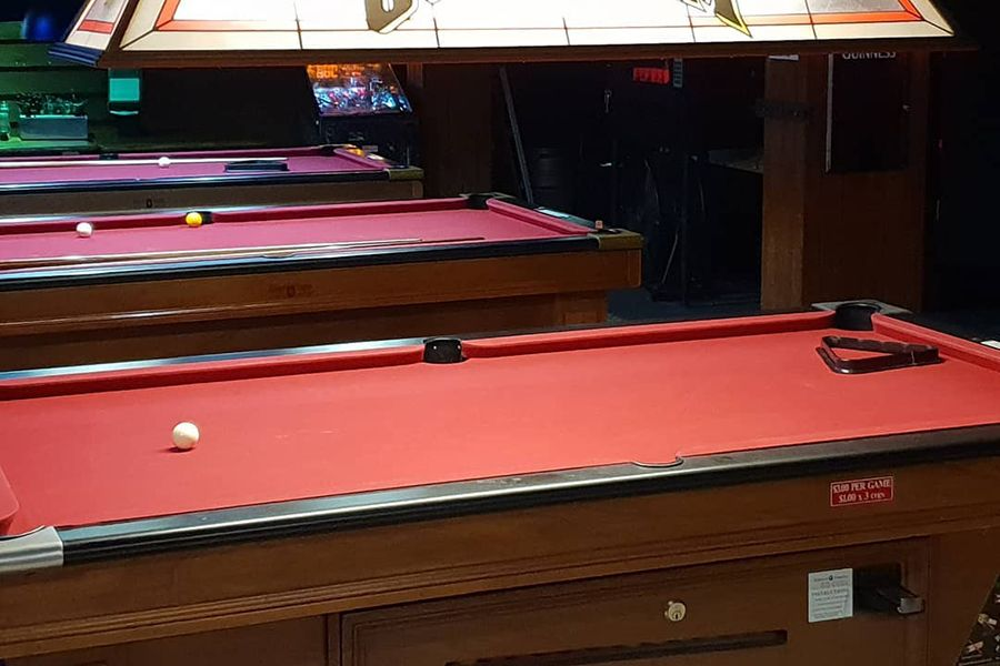Beaches Bar and Grill Airlie Beach pub pool tables best clubs and bars