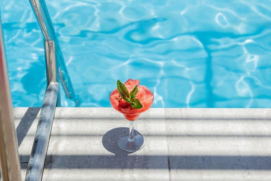 The Rocks Coral Sea Resort Luxe poolside bar best guide nightclub