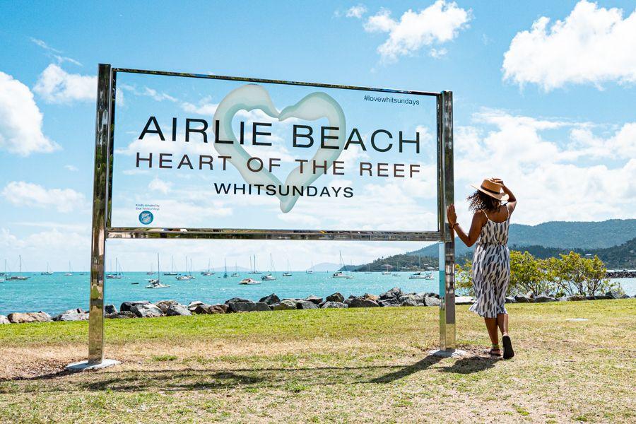 airlie beach sign, lagoon, whitsundays