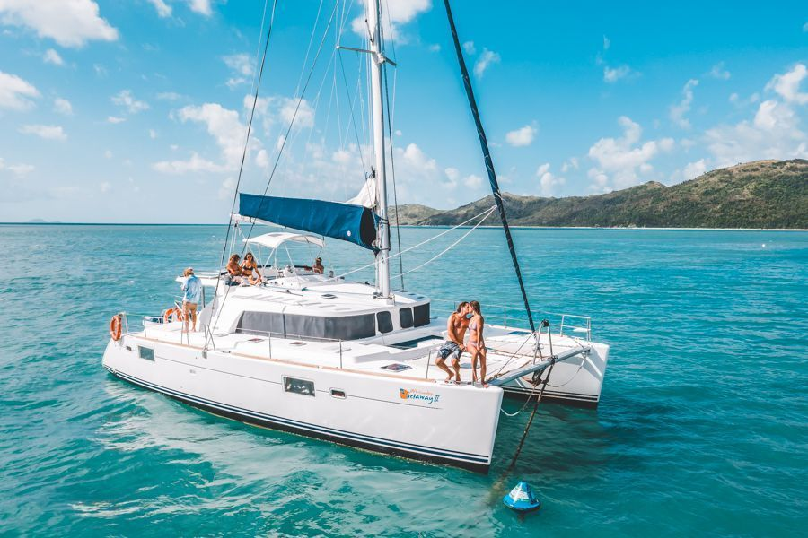 Whitsunday Getaway Catamaran Luxury, couples sailing with private cabins