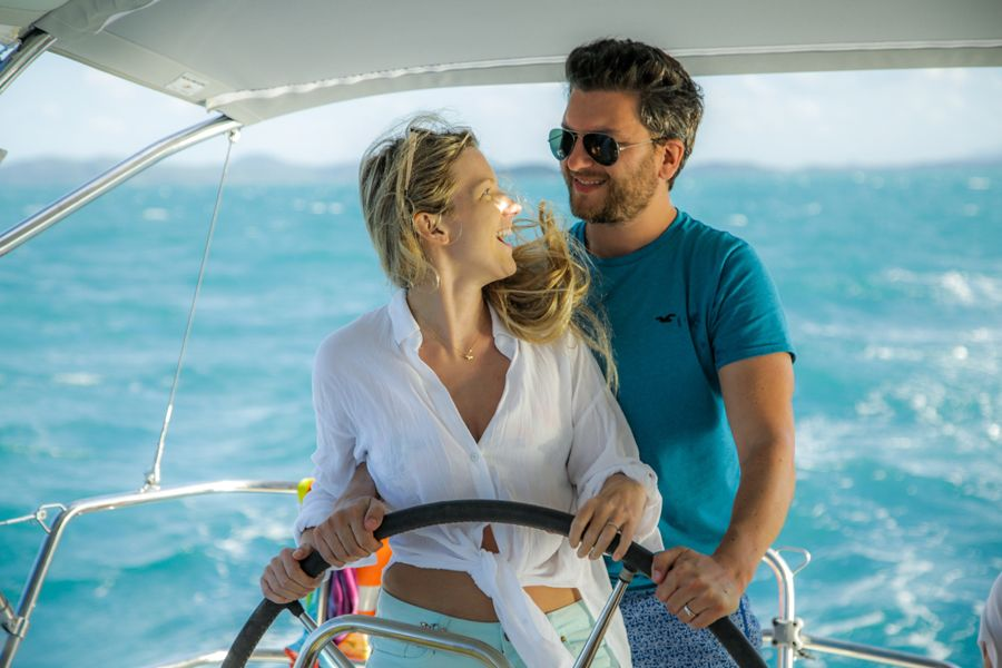 Blizzard Sailing couples Whitsunday Island Snorkelling the Great Barrier Reef