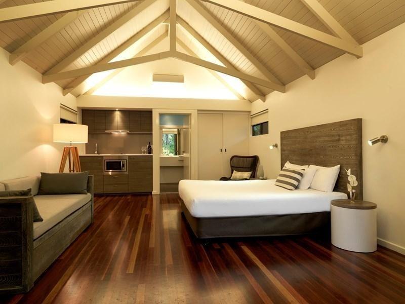 Beachside bungalow Hamilton Island couples in luxury Whitsunday Islands